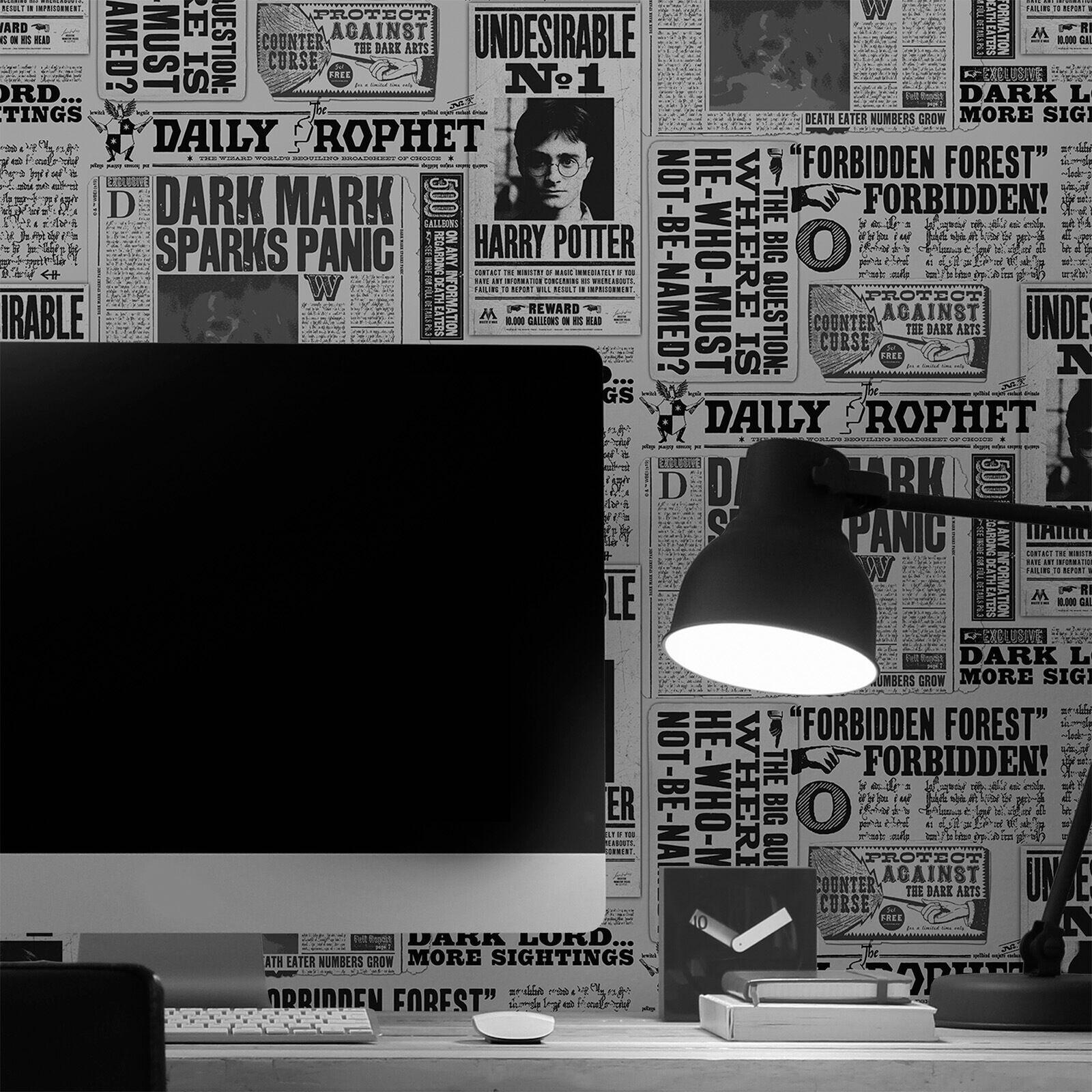 Warner Brothers Harry Potter Daily Prophet Mono Black/White Wallpaper.-