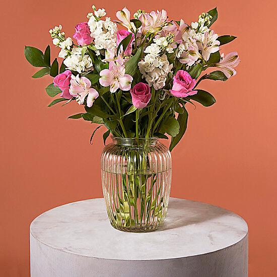 Serenata Flowers Sweet Embrace