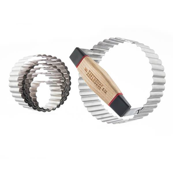 Bakehouse & Co. Bakehouse & Co 7 Piece Stainless Steel Crinkle Edge Cookie Cutter Set