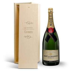 YourSurprise Champagne in engraved case - Moet & Chandon (1500 ml)