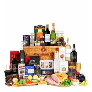 Prestige Hampers The Christmas Celebration - Christmas Food Hampers - Family Christmas Hampers - Luxury Christmas Hampers - Xmas Food Hampers - Xmas Christmas Hampers
