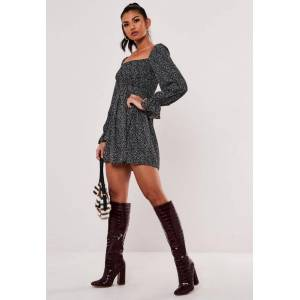 Missguided Black Ditsy Petal Print Shirred Skater Dress, Black  - female - Black - Size: 18