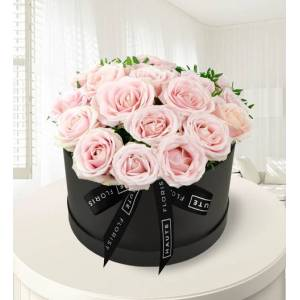 Sweet Sophistication - Haute Florist - Hat Box Flowers - Luxury Flowers - Birthday Gifts - Birthday Gift Delivery