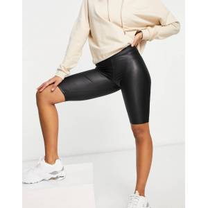 Pieces high shine legging shorts in black  - Black - Size: Medium