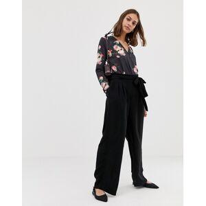 Pieces Kizzy tie waist wide leg trousers-Black  - Black - Size: Medium