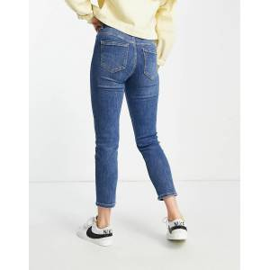Pieces slim mom jean in medium blue wash  - Blue - Size: Extra Small