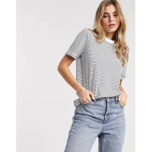 Pieces t-shirt in white and navy stripe-Multi  - Multi - Size: Small