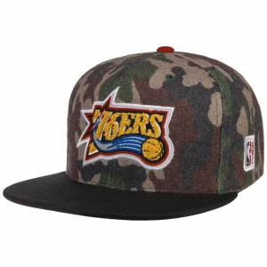 Mitchell & Ness HWC Camo Flannel 76ers Cap by Mitchell & Ness Col.  camouflage, size One Size