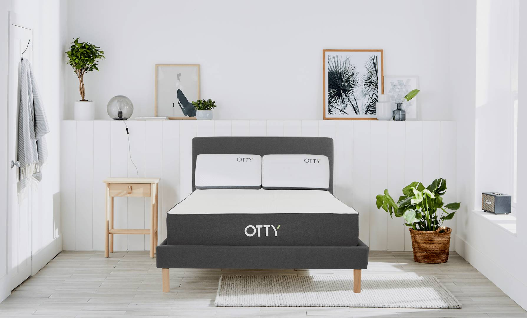OTTY Sleep OTTY Hybrid Mattress, Bed Frame & Deluxe Pillows, Double   W135 L190 H25 cm