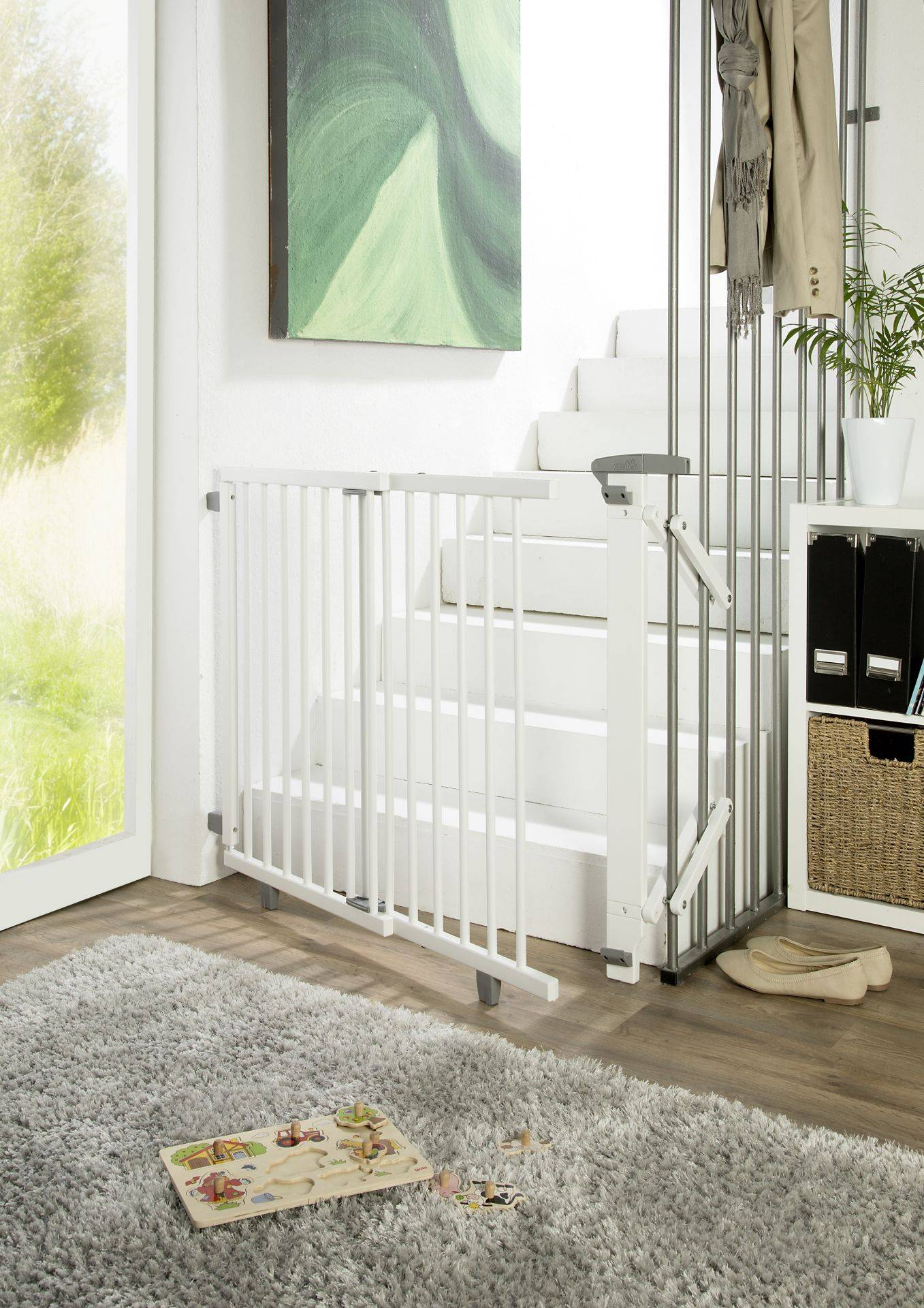 Geuther Swivel stair gate made from wood; Weiß