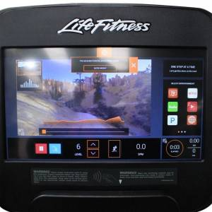 Life Fitness Elevation Series GSC Arc Trainer with Discover SE3 HD Con