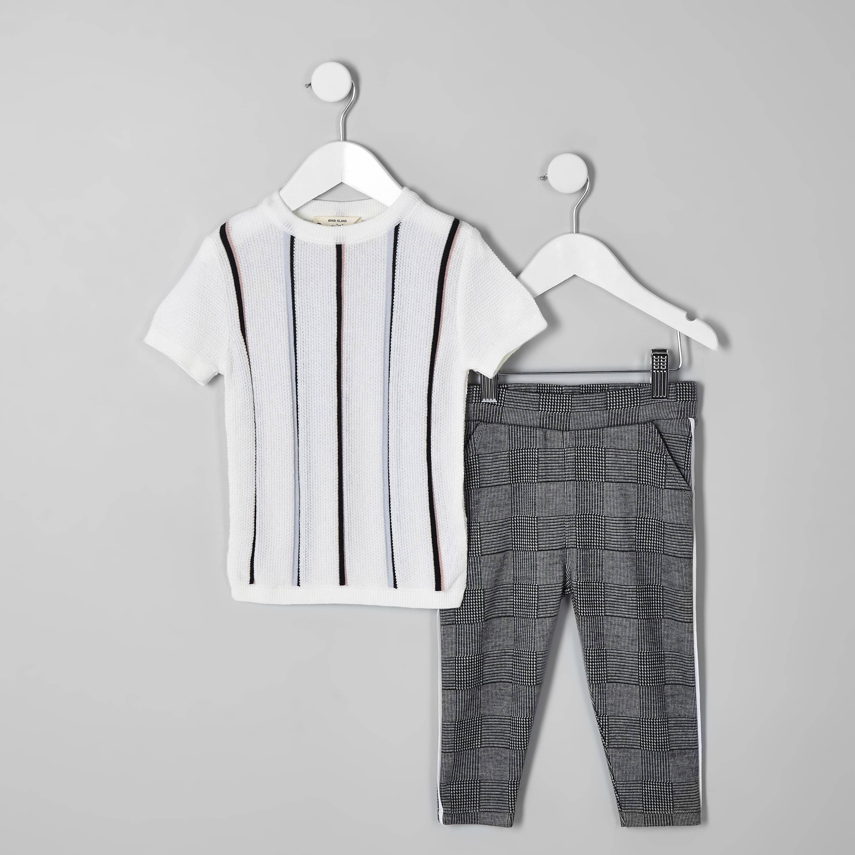 River Island Mens Baby Boys ecru stripe T-shirt outfit (0-3 Mths)