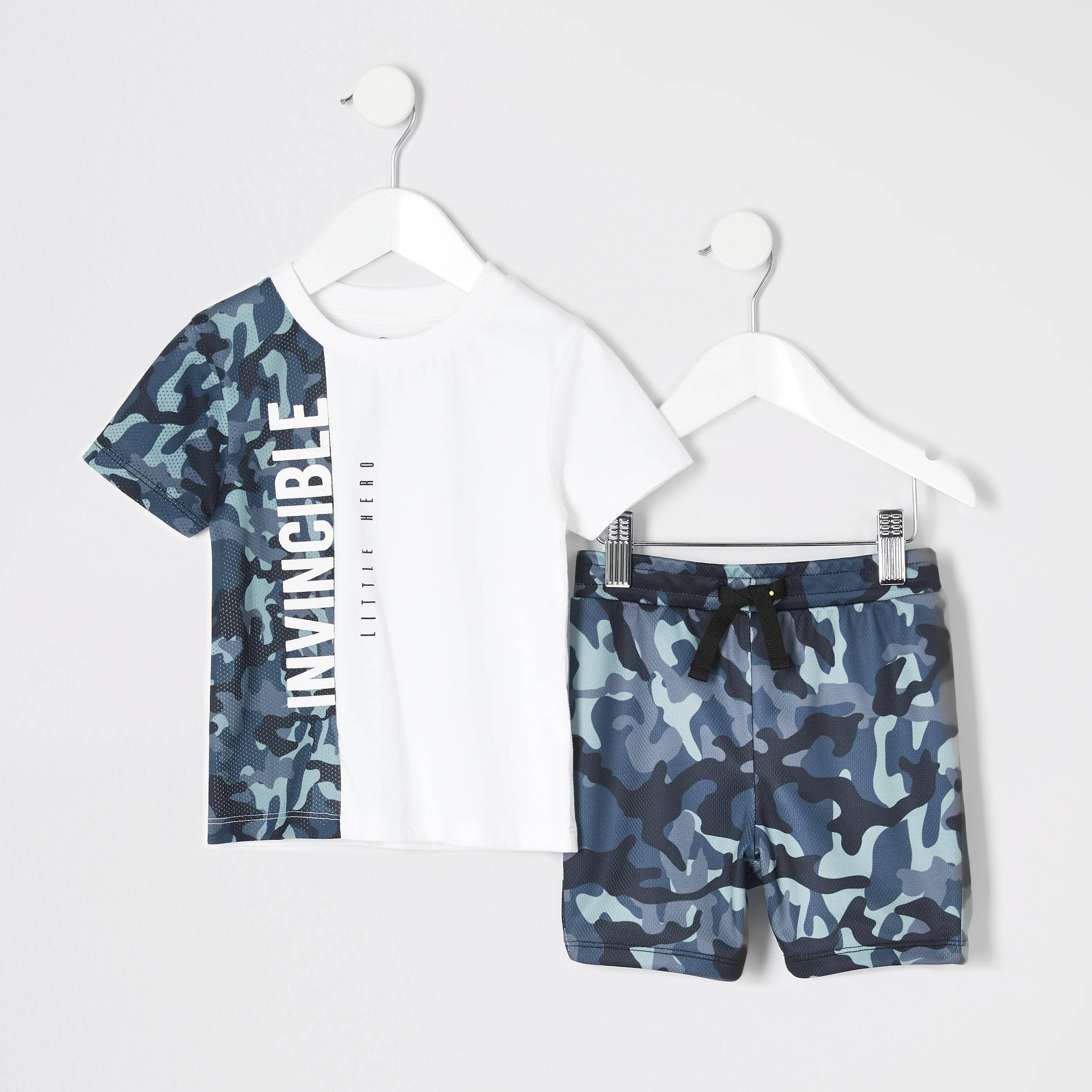 River Island Baby Boys White camo T-shirt outfit (12-18 Mths)