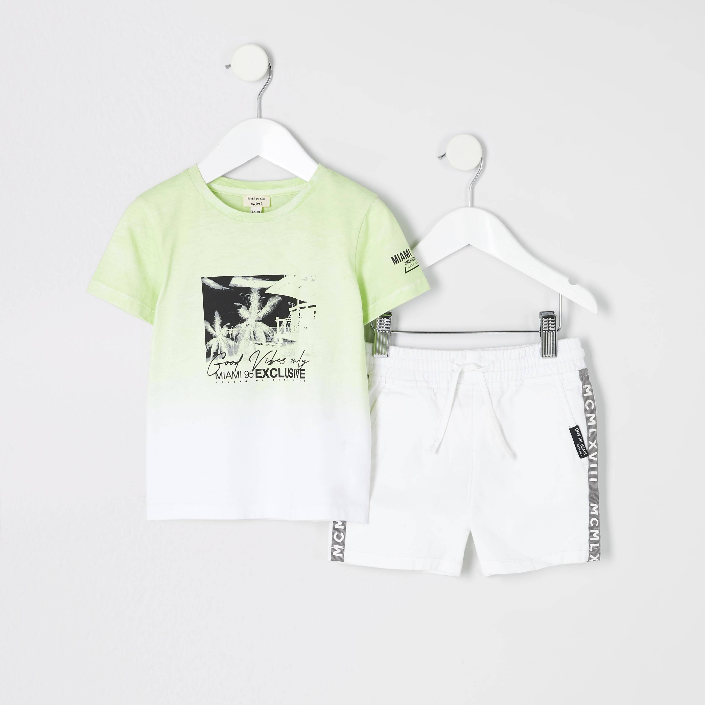 River Island Baby Boys Green 'good vibes' T-shirt outfit (2-3 Yrs)