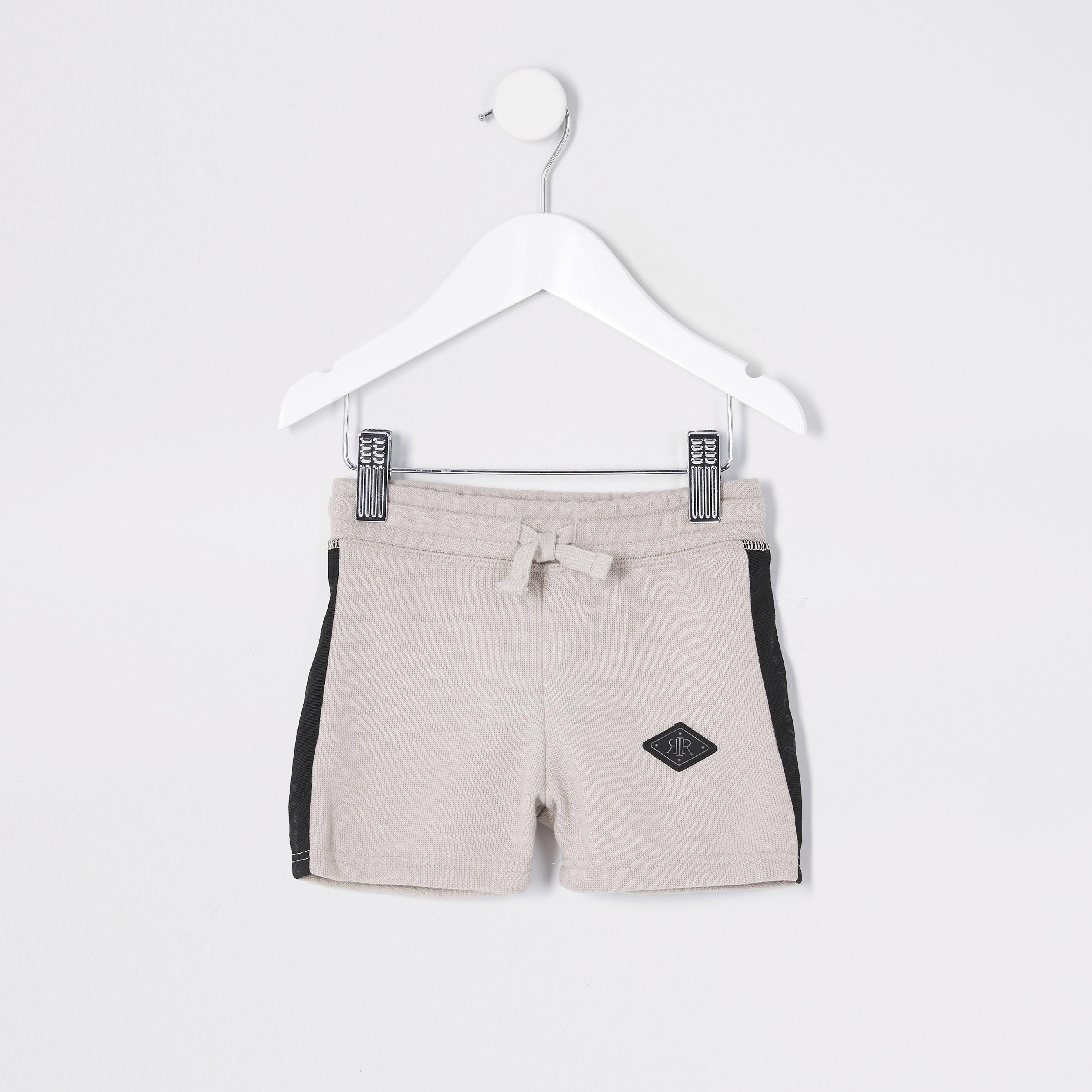 river island Baby Boys Beige pique shorts (6-9 Mths)