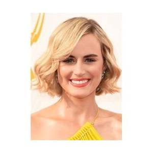 Taylor Schillings Wavy Bob Hairstyle Human Hair Wig 12 inches