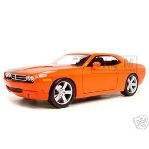 Maisto 2006 Dodge Challenger Concept Car  Orange 1/18 Diecast Model Car by Maisto