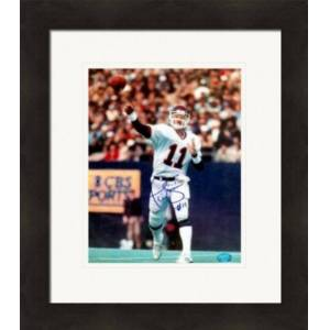 Autograph Warehouse 269789 Phil Simms Autographed 8 x 10 in. Photo - New York Giants Image - No. 2 Matted & Framed