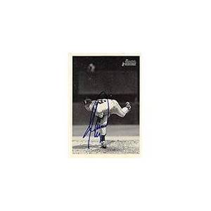 Autograph Warehouse 302251 2001 Jamie Moyer Autographed No.253 Baseball Card - Seattle Mariners