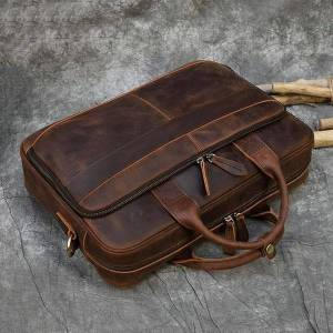 DHgate briefcases retro lapbriefcase bag genuine leather handbags casual 15.6 pad daily working tote s men male for documents1 y245