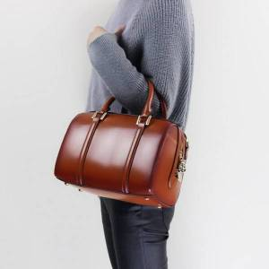 DHgate 2018 new style genuine leather women's bag boston bag / shoulder bag with long strap