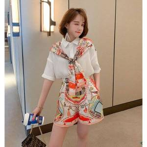 DHgate 2021 new stitched shirt, printed women's scarf, shirt tie + shorts, high waist and wide leg, two piece set, version of south korea, sum