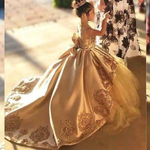 DHgate first communion dresses kids evening ball gown gold applique bow girls pageant dress satin tulle flower girl dress1