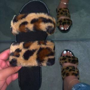 DHgate leopard fur slippers home wild hair slippers pink warm sandals female 2020 new streetwear flip flop flat with interior