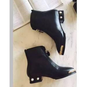 DHgate classic fashion women boots come with tags , box and all packing case c l0022