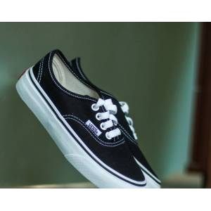Vans K Authentic Black/ True White  - Black - Size: 11K