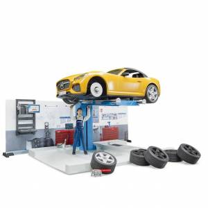 Bruder bworld Car Service - Imaginative Play for Ages 4 to 9 - Fat Brain Toys