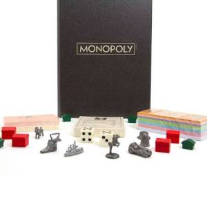 Hasbro Vintage Bookshelf Edition - Monopoly - Classic & Retro Toys for Ages 11 to 12 - Fat Brain Toys