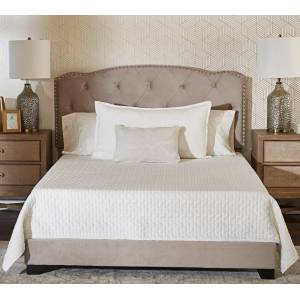 Klaussner                                                                                    Klaussner King Madison Upholstered Bed