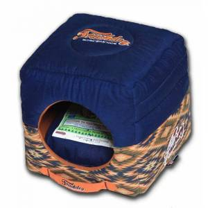 CAM CONSUMER PRODUCTS, INC Touchdog 70's Vintage-Tribal Throwback Convertible and Reversible Squared 2-in-1 Collapsible Dog House Bed, Sangria Pink