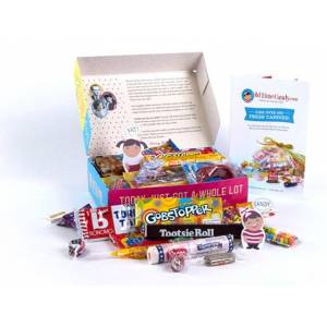 Candy Mother's Day Decade Gift Box - Rose Petals