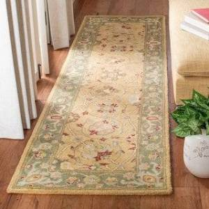 "Safavieh Handmade Antiquity Mazie Traditional Oriental Wool Rug (Gold - 2'3"" x 12' Runner)"