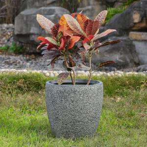 Winsome House 14.8in. Dia. MgO Fiberclay Blue-Gray Textured Planter (Grey)