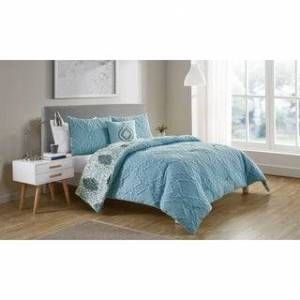 VCNY Home Luanna Reversible Medallion Comforter Set (Full - Queen - Light Blue)