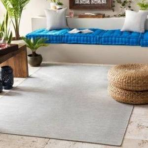 "Overstock Hand-Woven Camillo Indoor/ Outdoor Area Rug (7'6"" x 9'6"" - Medium Grey)"