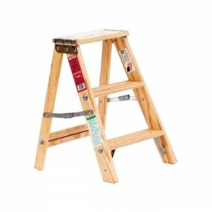 Overstock Michigan Ladder  24 in. H Wood  Step Ladder  200 lb. Type III