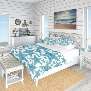 DESIGN ART Designart 'Pattern of Blue Starfish' Coastal Bedding Set - Duvet Cover & Shams (King Cover + 2 king Shams (comforter not included))