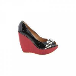 Tapeet by Vicini Wedges: Red Solid Shoes - Size 36