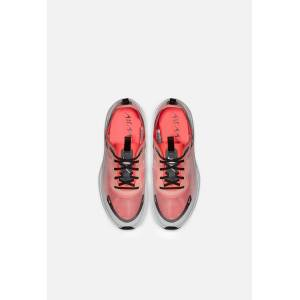 Nike Wmns Nike Air Max Dia / Off White, Black & Flash Crimson (Wmns Nike Air Max Dia / Off White, Black & Flash Crimson / US W 8.5 / M 7)