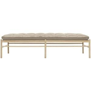 Carl Hansen OW150 Daybed - Color: Cream - OW150 DAYBED- OAK WHT OIL- SIF 90