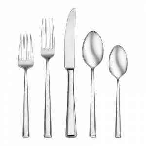 Oneida Pearce 20 pc. Flatware Set