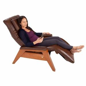 Human Touch Gravis ZG Chair in Mahogany/saddle