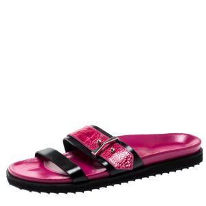 Alexander McQueen Pink/Black Ostrich Leg And Leather Flat Sandals Size 40