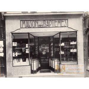 Candy Shop Photographer Reflection France Photo 1930 Jean Pierre JACQUART [ ]