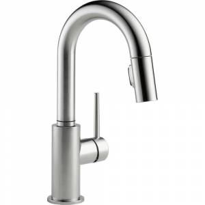 Delta Trinsic Single-Handle Pull-Down Sprayer Bar Faucet with MagnaTite Docking in Arctic Stainless