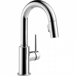 Delta Trinsic Single-Handle Pull-Down Sprayer Bar Faucet with MagnaTite Docking in Chrome, Grey
